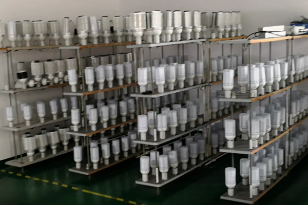 E40 LED corn lights pre-shipment test